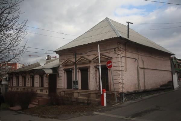Старинный дом в Днепропетровске (Екатринославе) на улице Володарского (1)
