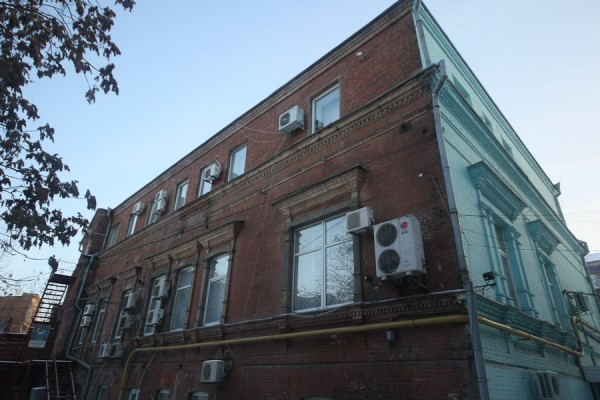 Старинное здание на Челюскина (4)