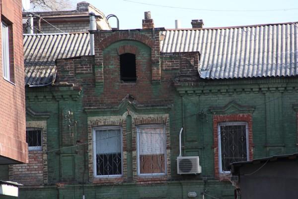 Старинный дом зеленого цвета (1)