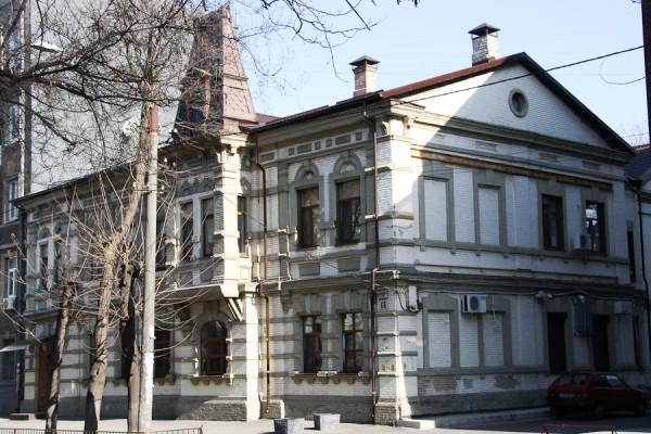 Красивый старинный дом на ул. Комсомольская (7)