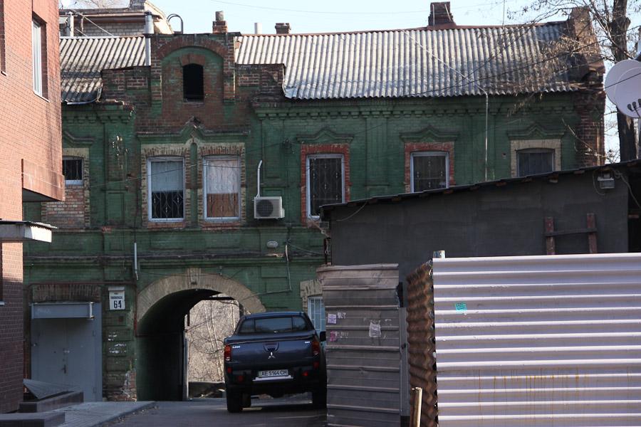 Старинный дом зеленого цвета (2)