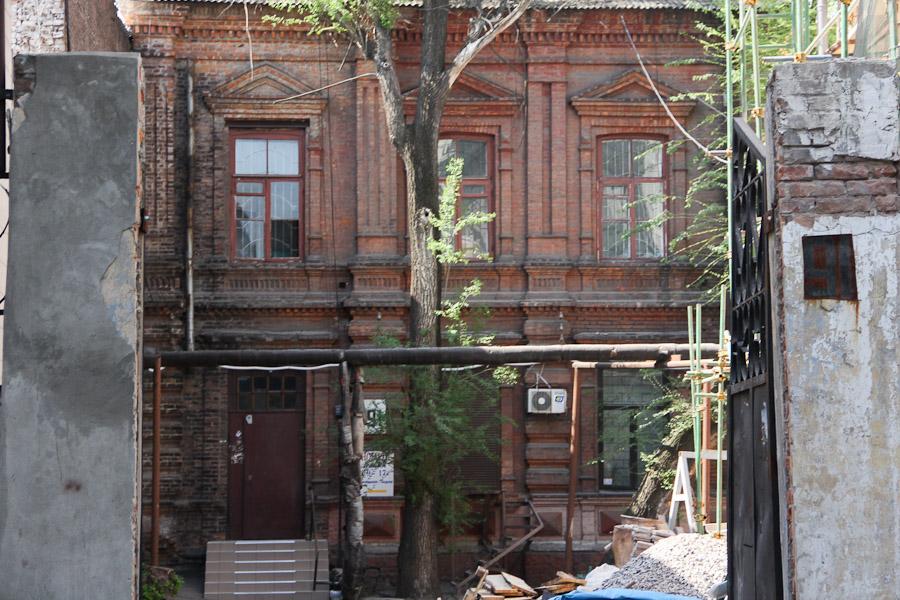 Старинный дом в Днепропетровске (Екатринославе) на проспекте Карла Маркса (2)